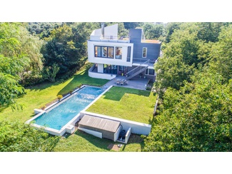 MODERN GEM WITH WATERVIEWS - MONTAUK LIFESTYLE